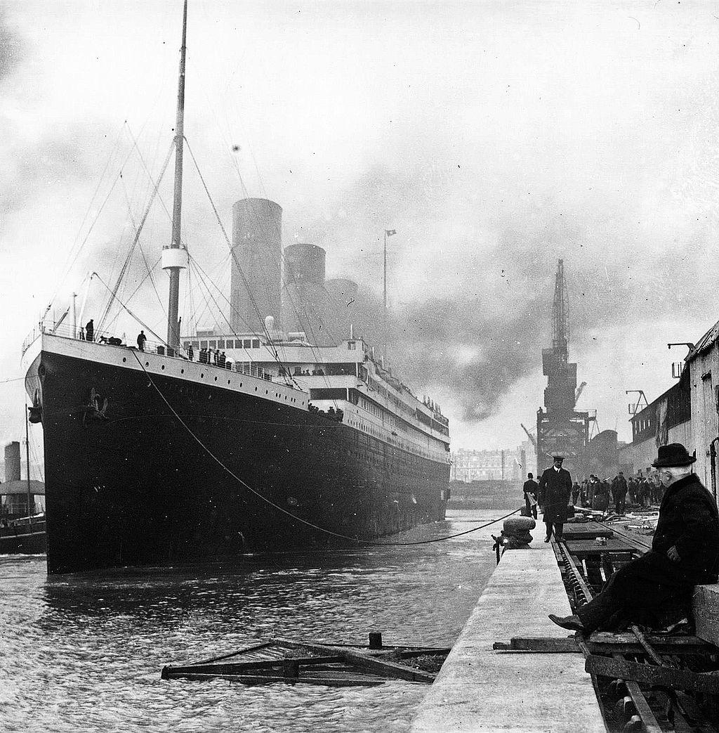 1024px-Titanic
