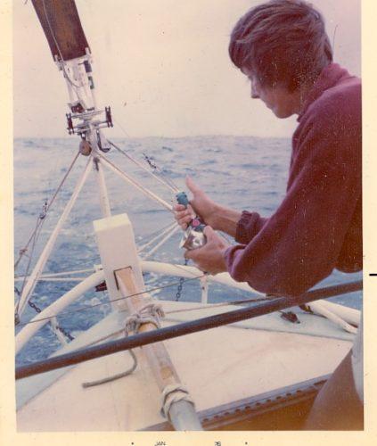 Tom Cunliffe über den Einsatz eines Pinnenpiloten, um eine Windfahnensteuerung nach Kompasskurs steuern zu lassen - Literaturboot - Blog